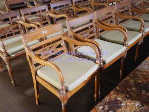 Sewa kursi kayu di bali murah